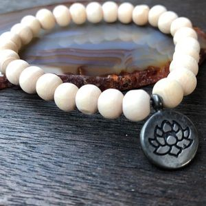 Jewelry - 🆕🆕🆕✨NATURAL SANDALWOOD BRACELET W/CHARM 8mm✨